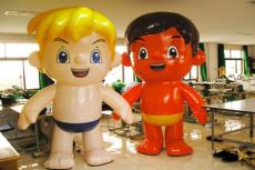 订购卡通气模 人偶行走气模 充气玩具海尔兄弟